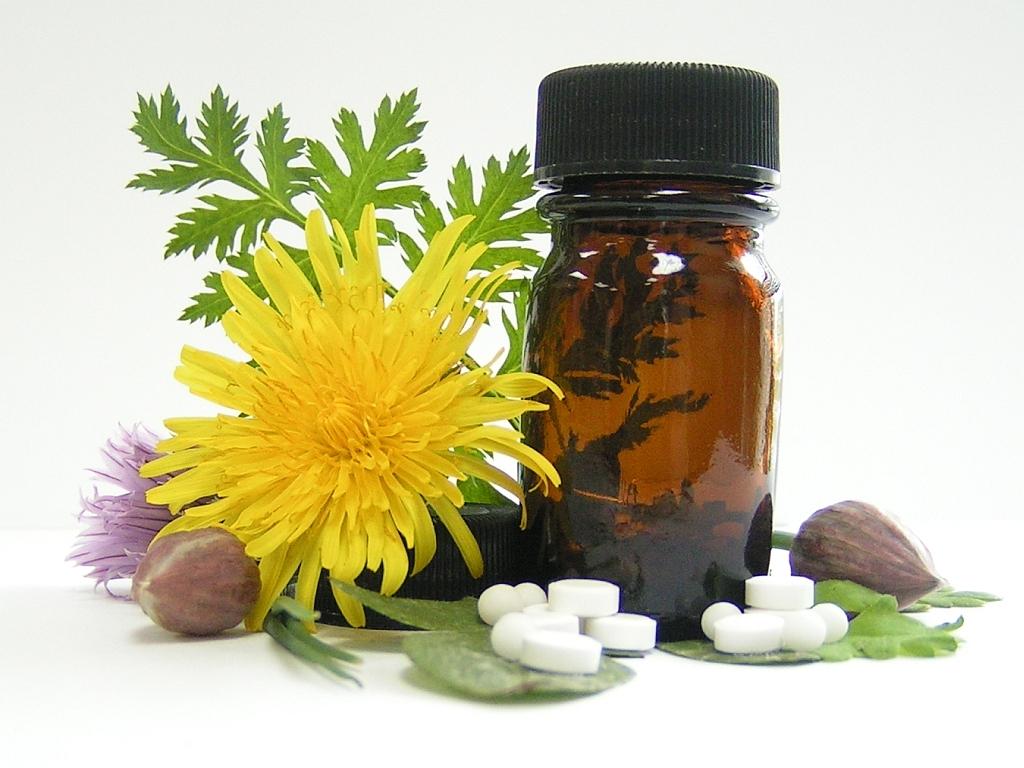 Народной медициной для лечения геморроя используется широкий перечень лекарственных растений
