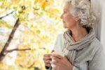 Женщина после 50 лет с нормальным содержанием мочевой кислоты